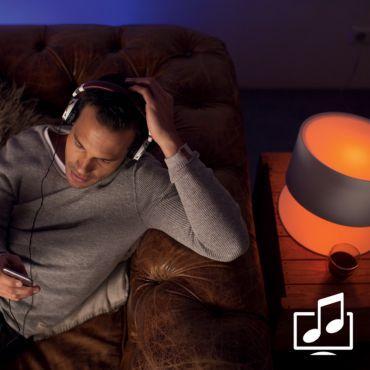 Sincronizati luminile cu muzica si filmele