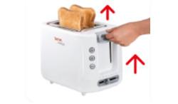 Ridicare completa a manerului pentru a scoate cu usurinta feliile de paine